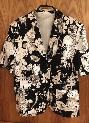 Жакет-пиджак в цветочный принт
