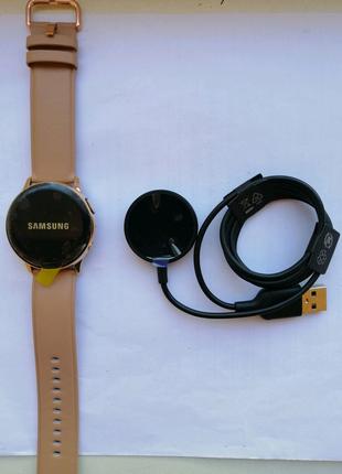 Смарт-часы Samsung Galaxy Watch Active r830