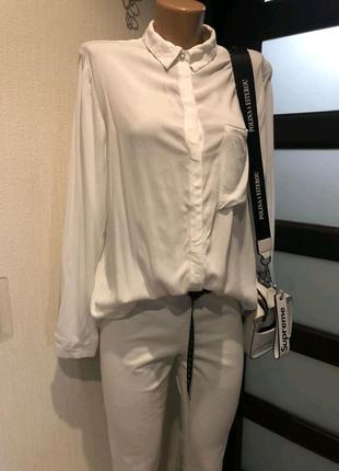 Стильная брэндовая мягкая белая блузка рубашка кофточка