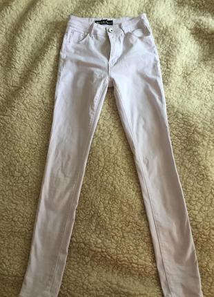 Белые джинсы,штаны,скини