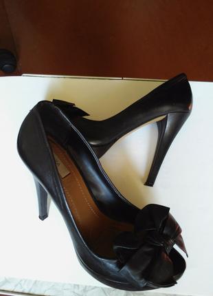 Женские туфли ZARA, натуральная кожа.