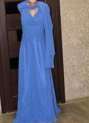 Оригинальное платье со шлейфом très chic, выпускное, свадебное...