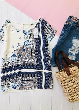 Стильная блузка с принтом