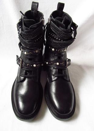 Кожаные женские демисезонные ботинки zara