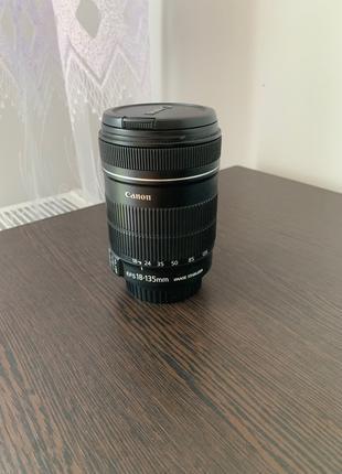 Объектив Canon EF-S 18-135mm 1:3.5-5.6 IS