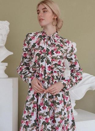 Нежнейшее женские шелковое короткое платье с длинным рукавом 😻