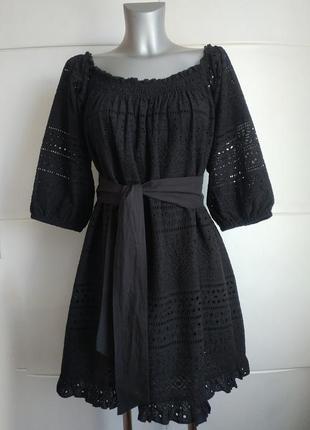 Стильное платье zara оригинальнального кроя с вышивкой