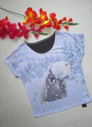 Классная стрейчевая футболка в зимний принт мишка  george