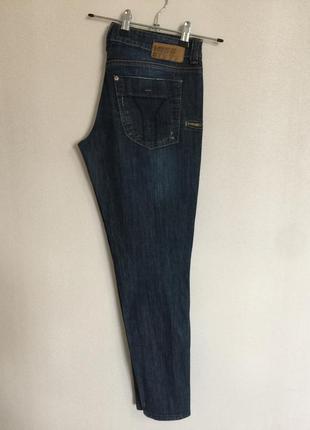 Узкие на молниях джинсы 👖 с бабочкой {пуговка} от miss sixty