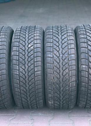 Зимняя резина 205/55 R16. Bridgestone Blizzak LM-32.