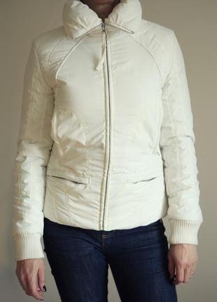Куртка белая пуховик фирмы mng casual sportswear