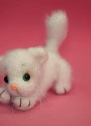 Брелок для сумки белый котенок sale