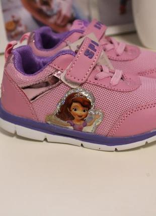 Кроссовки для малышек с принцессой софией