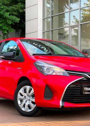 Toyota Yaris 1.5 AT HYBRID С НДС 2015