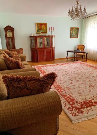 3х комнатная квартира оригинальной планировки. Центр