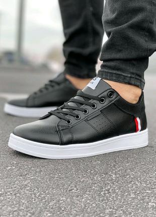 Мужские кроссовки черные кожаные