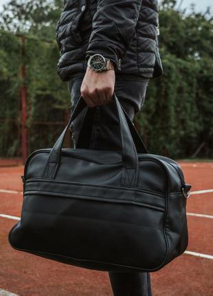 Мужская спортивная сумка. Сумка черная кожаная спортивная
