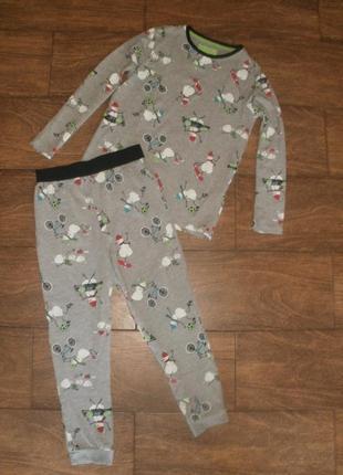 Пижама на 9-10 лет с новогодним рисунком
