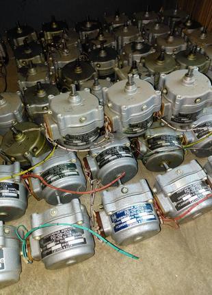 Электродвигатели РД-09-П2А. (8.7 об/мин). -35шт, оптом по 150грн