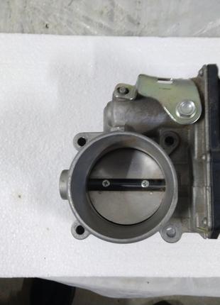 Дросельна заслонка Mazda 2.5