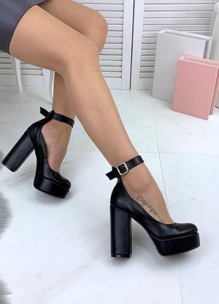 Натуральная кожа роскошные туфли на широком каблуке с ремешком