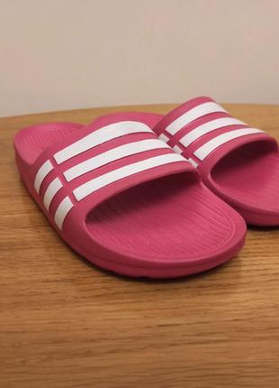 Сланцы Adidas Duramo