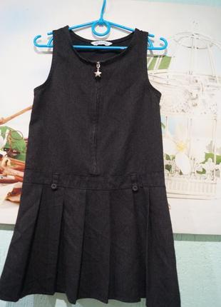 Платье в школу на девочку 6-7 лет,рост 116-122 см,бренд f&f