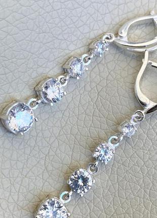 Серьги серебряные с камнями цирконий