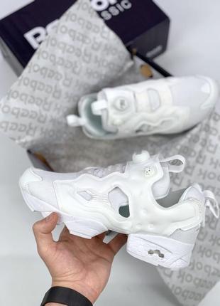 Белые женские кроссовки reebok insta pump fury