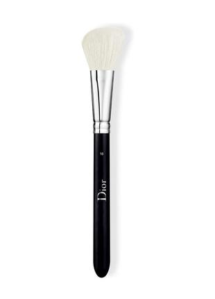 Кисть для румян dior backstage blush brush