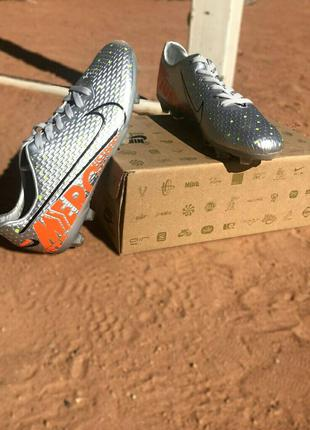 Футбольные бутсы Nike Mercurial Vapor 13 Academy MG