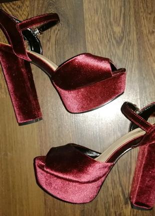 Туфли на высоком 15 см каблуке
