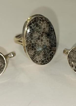 Серьги и кольцо с черным кораллом. Натуральный коралл в серебре.