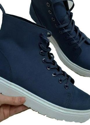 Кожаные демисезонные ботинки dr.martens
