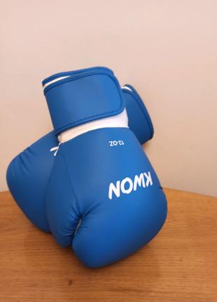 Боксерские перчатки Kwon 12 OZ. Германия .