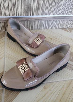 Бежевые лаковые балетки лоферы туфли натуральная кожа. 23.5см ...