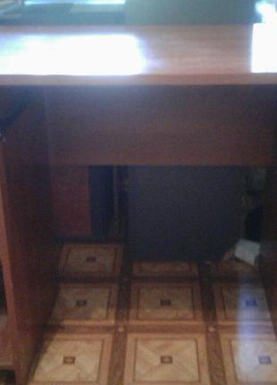 Компьютерный стол.(может идти в комплекте со стулом)
