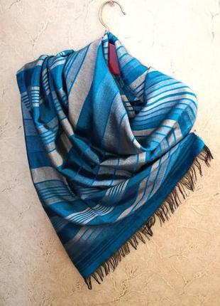 Палантин шарф в полоску с бахромой