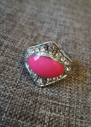 Кольцо с розовым камнем винтаж