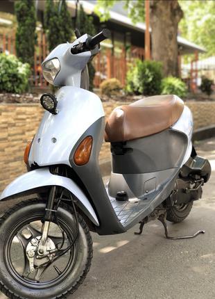 Suzuki let's 4 скутер мопед