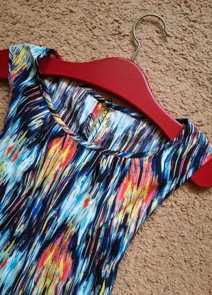 Платье прямого свободного кроя из штапеля