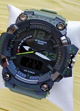 Спортивные наручные часы зеленого цвета