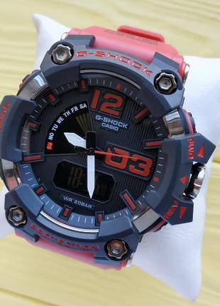Спортивные наручные часы красного цвета
