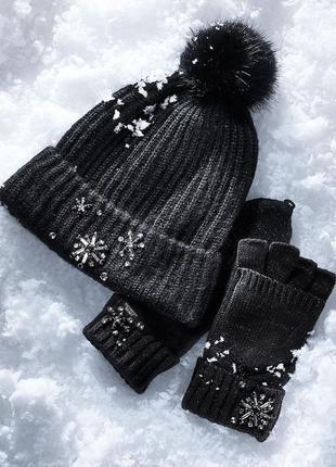 Комплект victorias secret женская теплая зимняя шапка и варежк...