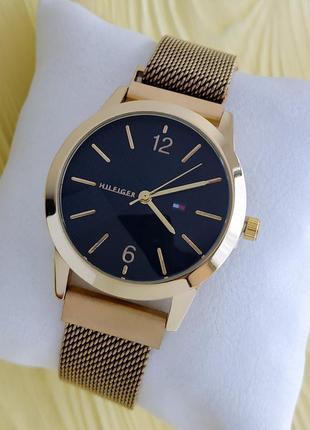 Женские часы золотого цвета с сетчатым браслетом на магните, ч...