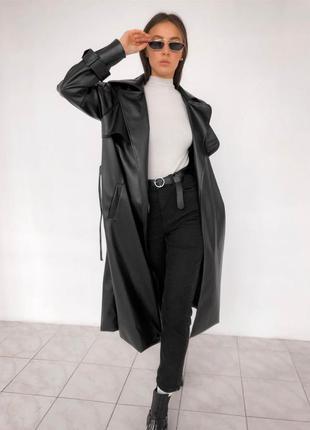 Черный кожаный тренч
