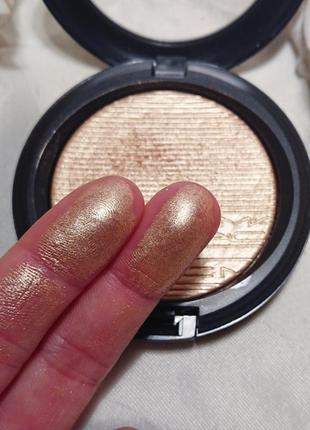 Mac extra dimension skinfinish whisper of gilt - под заказ