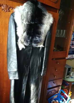 Кожаное пальто с натуральным мехом XL