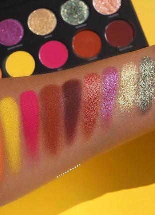 Палетка теней uoma beauty black magic colour eyeshadow palette...