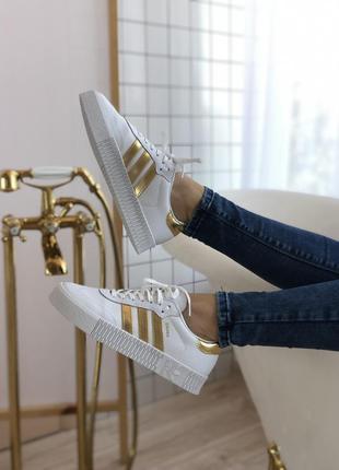 Шикарные женские кроссовки adidas samba белые с золотом